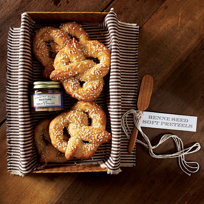 19Edible Favor - Soft Pretzel